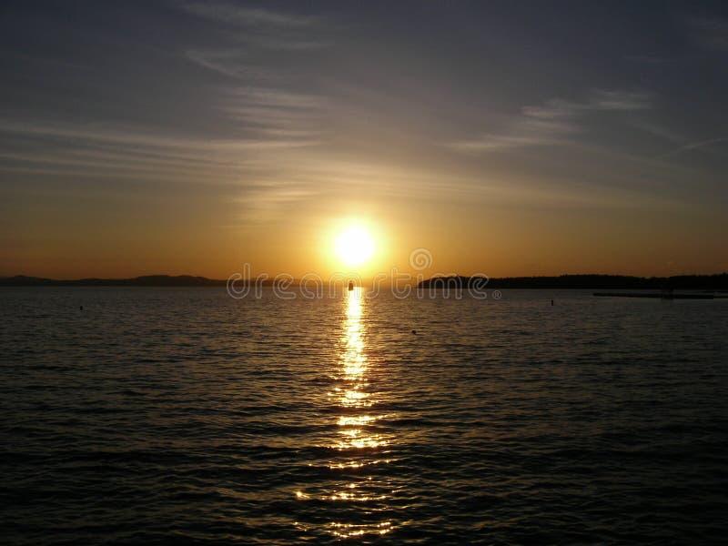 Заход солнца на озере Champlain стоковое фото