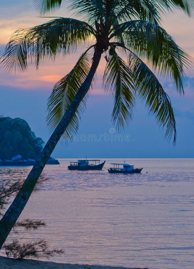 Заход солнца на острове Tioman стоковые изображения rf