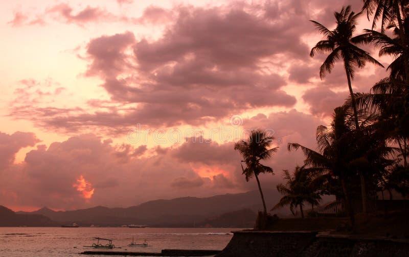 Заход солнца над островом Бали стоковая фотография