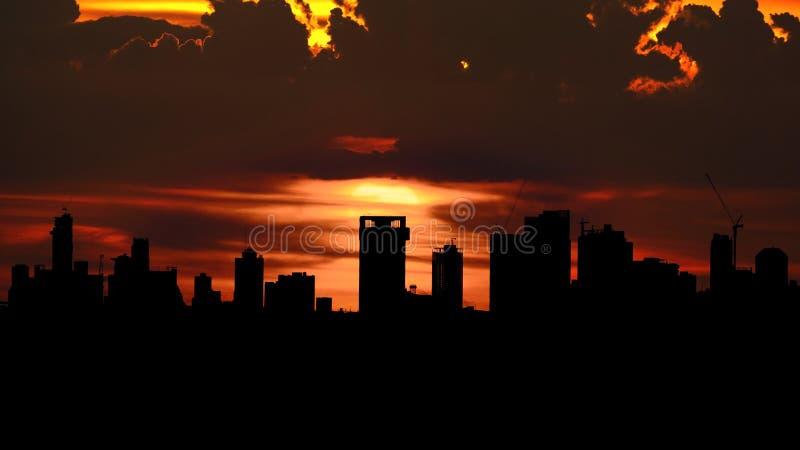 Заход солнца над острословием города Бангкока стоковые изображения rf