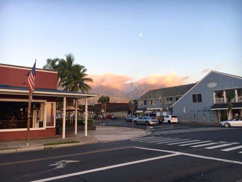 Заход солнца на передней улице в Lahaina стоковое фото rf