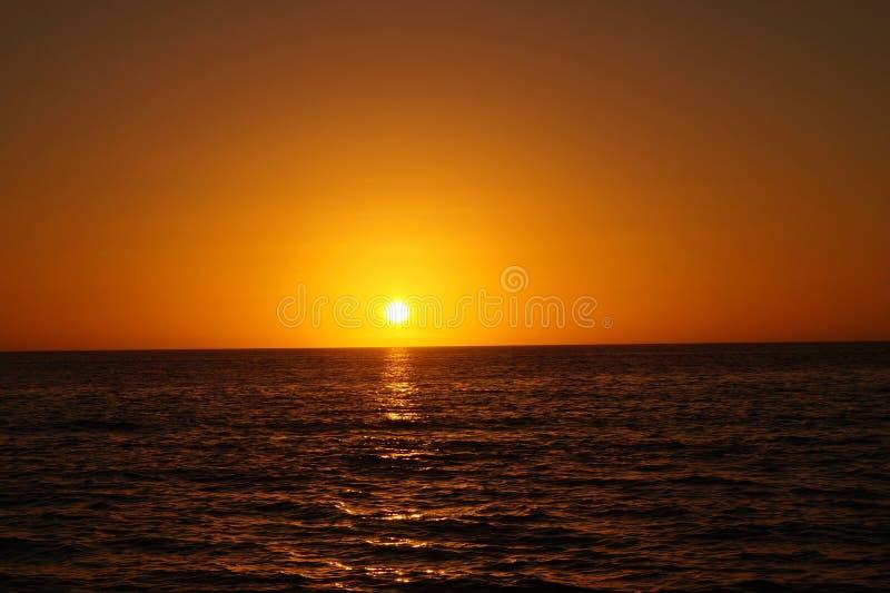 Заход солнца на пляже St Pete, Флориде стоковое изображение
