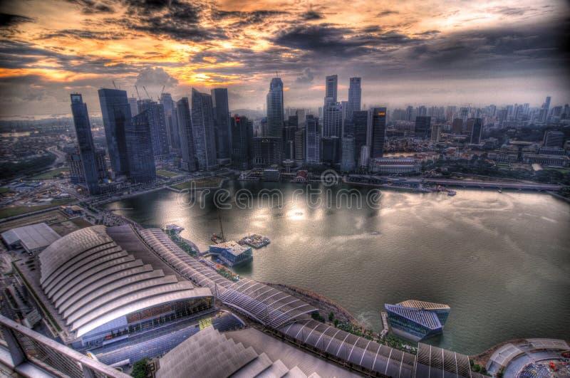 Заход солнца на финансовом районе централи Сингапура стоковое фото