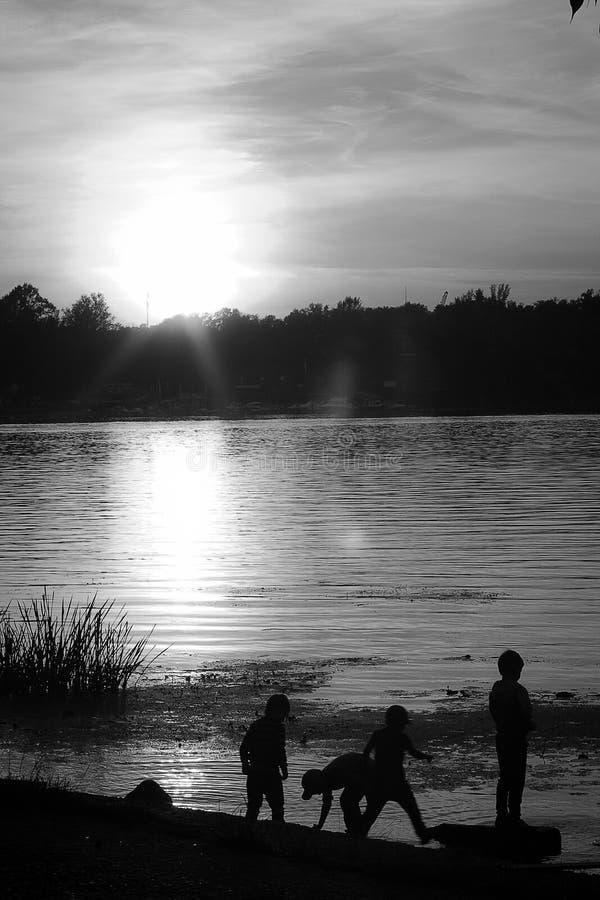 Заход солнца на Dniper стоковая фотография rf