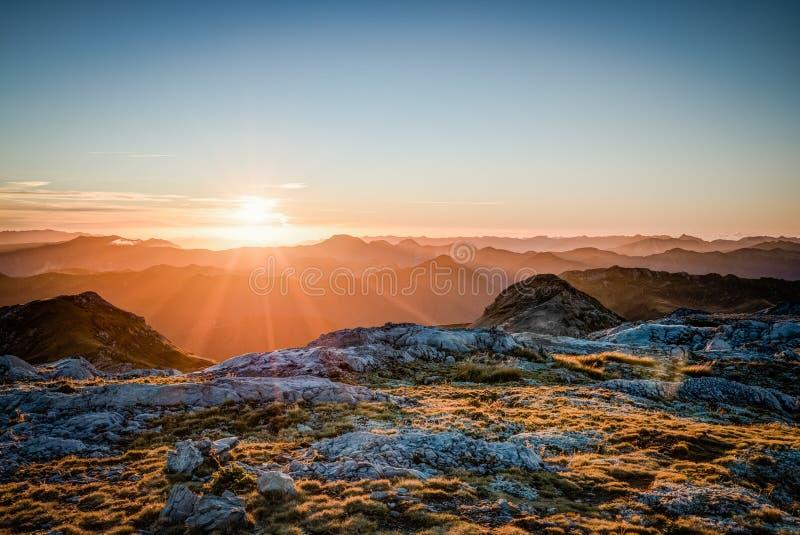 Заход солнца Новой Зеландии стоковые изображения