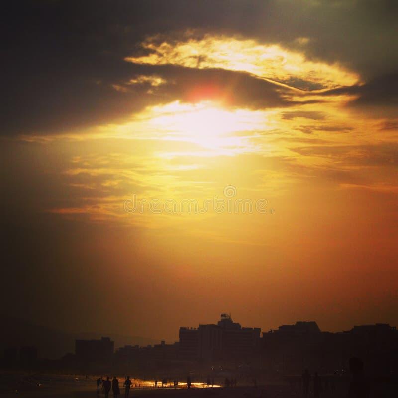 Заход солнца океаном стоковые фотографии rf