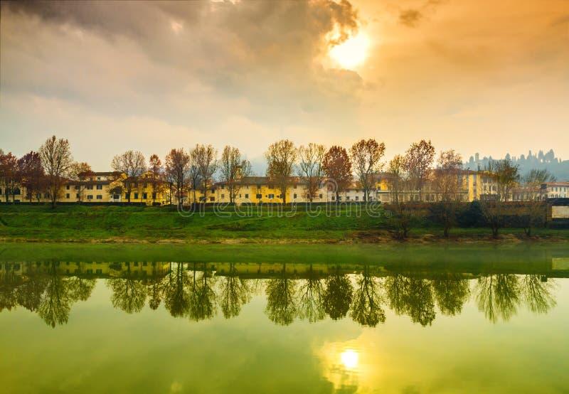Заход солнца осени в Флоренсе стоковая фотография rf