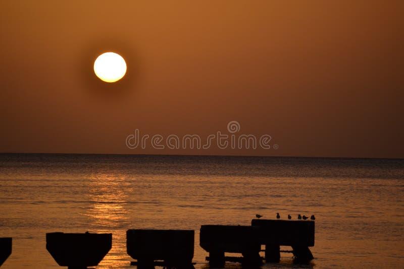 Заход солнца острова Доминики стоковое изображение rf