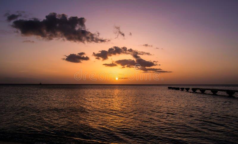 Заход солнца острова Доминики стоковая фотография