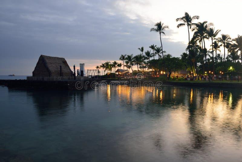 заход солнца партии luau Гавайских островов пляжа стоковые фото