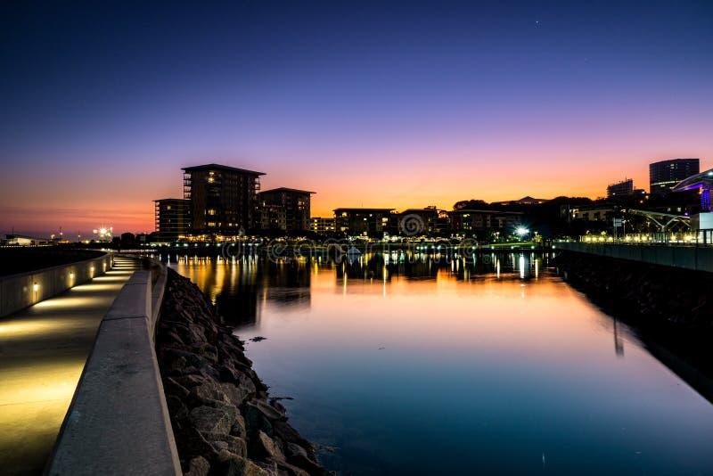 Заход солнца портового района города Дарвина стоковое изображение rf
