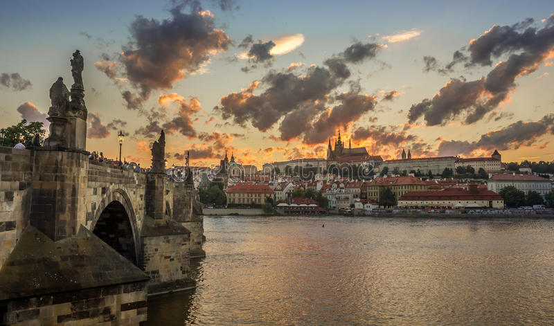 Заход солнца Праги стоковая фотография