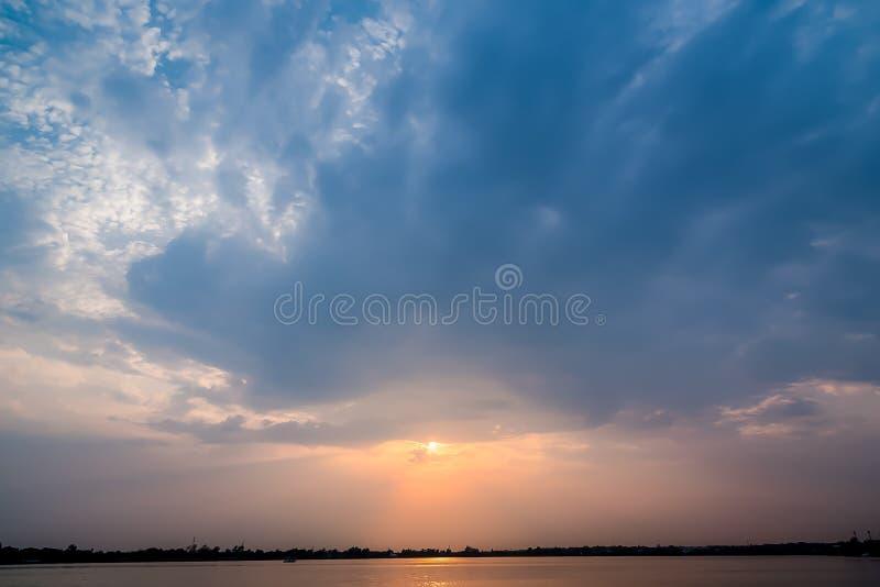 заход солнца предпосылки красивейший стоковое изображение rf