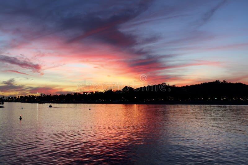Заход солнца пристани Санта-Барбара CA стоковая фотография rf