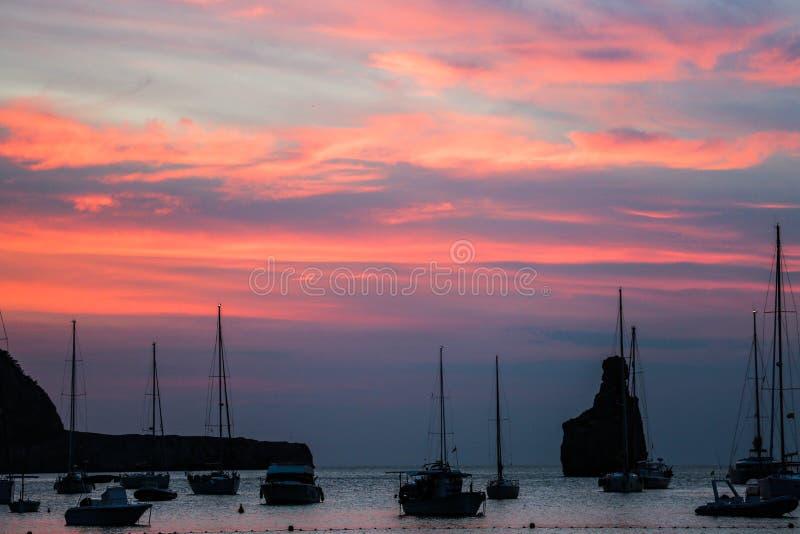 Заход солнца пляжа Ibiza Benirras стоковые изображения rf