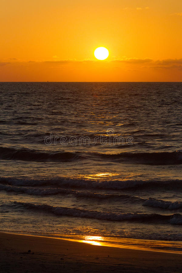 заход солнца Средиземного моря стоковые изображения rf