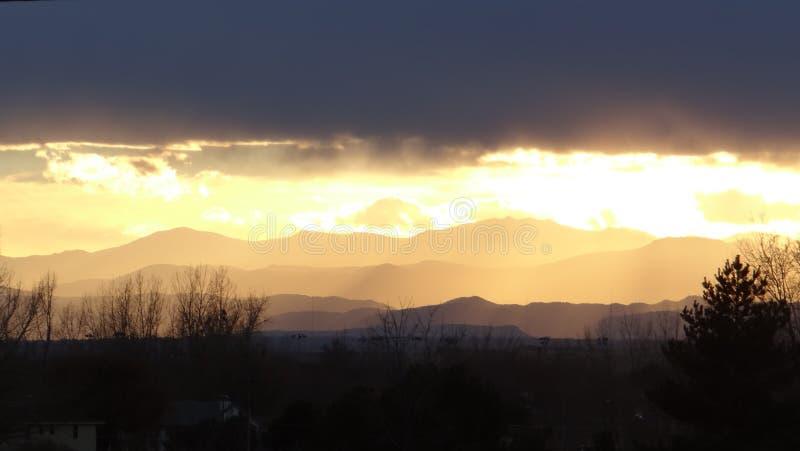 Заход солнца 7 слоев стоковая фотография rf