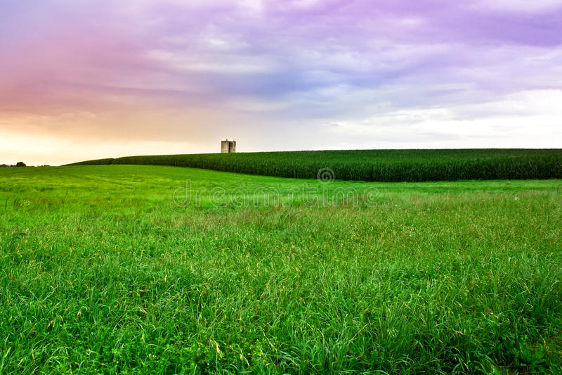 Заход солнца фермы Амишей стоковое фото