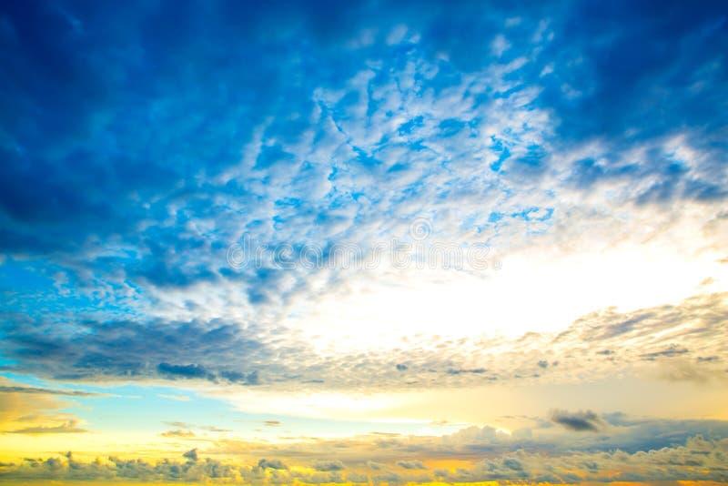 Download Заход солнца стоковое фото. изображение насчитывающей над - 40583750