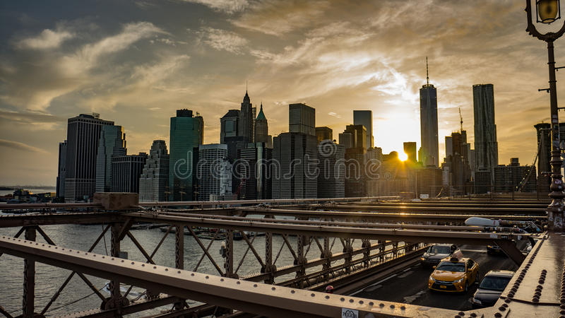заход солнца brooklyn моста стоковая фотография rf