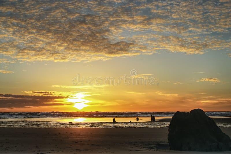Заход солнца Neskowin стоковое фото