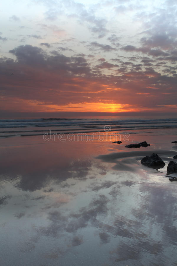 Заход солнца Woolacombe   Северное побережье Девона стоковые изображения