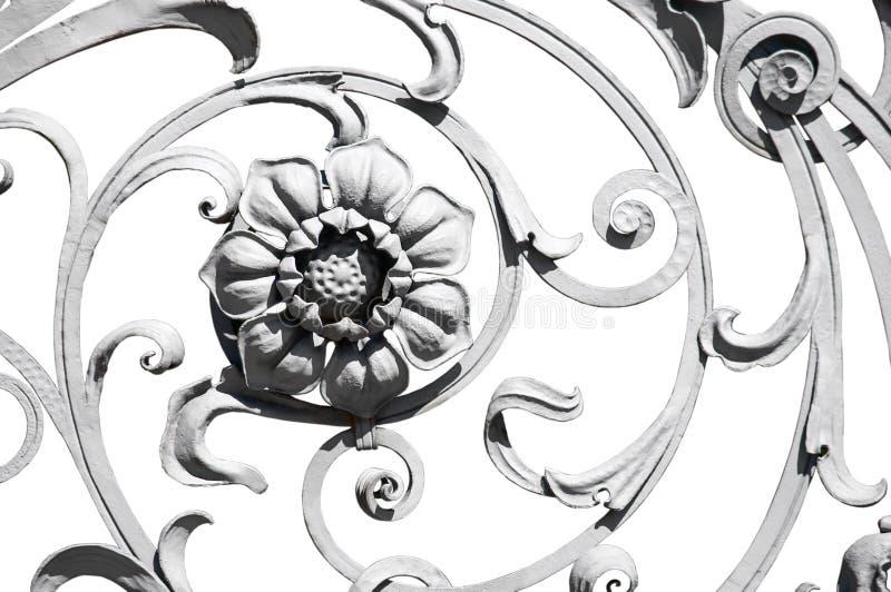 Зацветите деталь старой серой богато украшенной загородки стоковая фотография