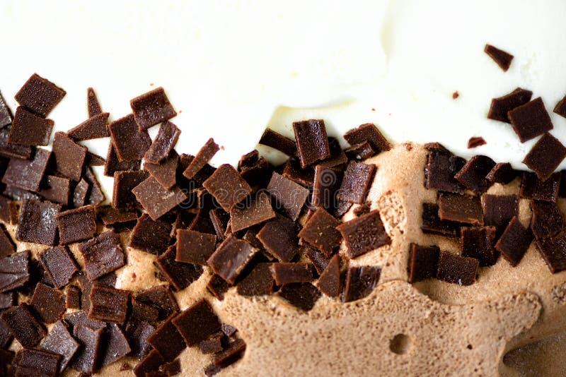 Зачерпнутая предпосылка мороженого ванили и шоколада Концепция еды лета, космос экземпляра, взгляд сверху Сладостный десерт югурт стоковое фото