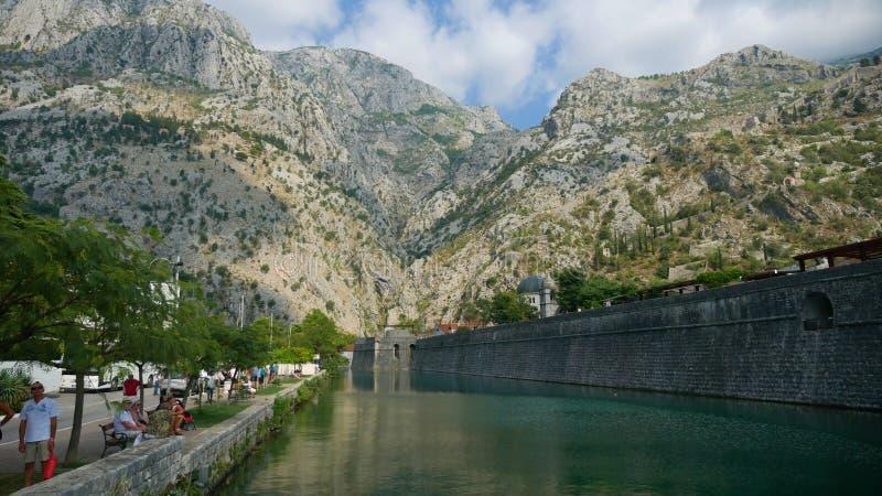 Защитительные стены Kotor стоковые изображения rf