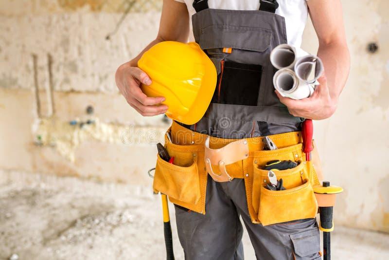 Защитная шестерня, инструменты деятельности, проекты и шлем стоковые фото