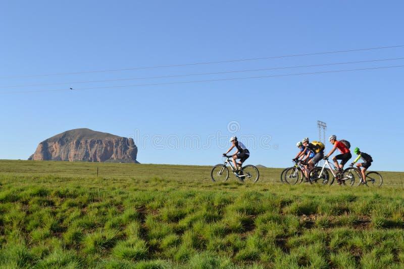 Задействуя Drakensberg стоковые изображения rf