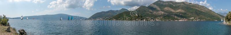 Залив Kotor в Адриатическом море Черногория regatta стоковые фото
