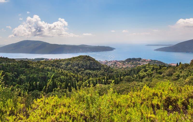 Залив Kotor от высот стоковые изображения