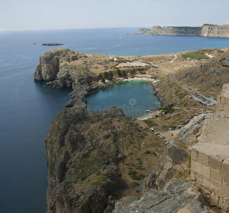 Залив St Paul на Lindos на острове Родоса Греции стоковые фото