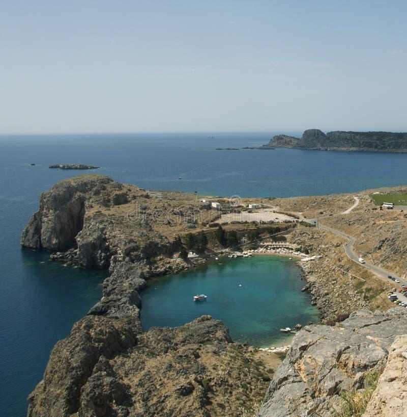Залив St Paul на Lindos на острове Родоса Греции стоковое фото