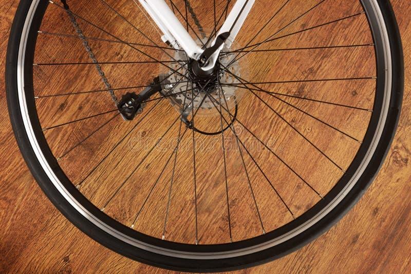 Заднее колесо велосипеда стоковое изображение rf