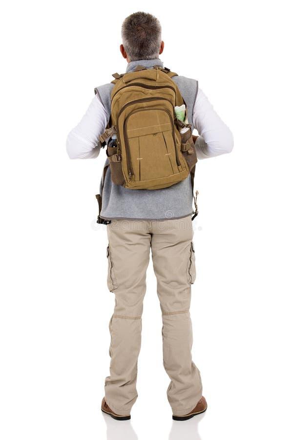 задний hiker мужчины взгляда стоковые фотографии rf
