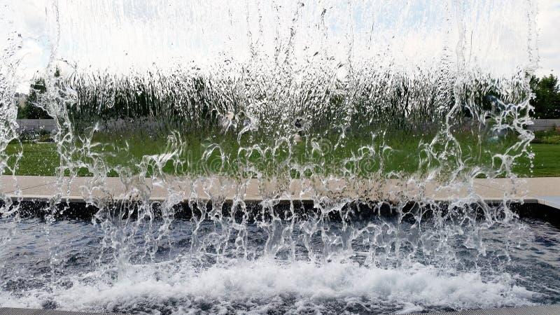 За сделанным человеком водопадом в stopaction стоковая фотография rf