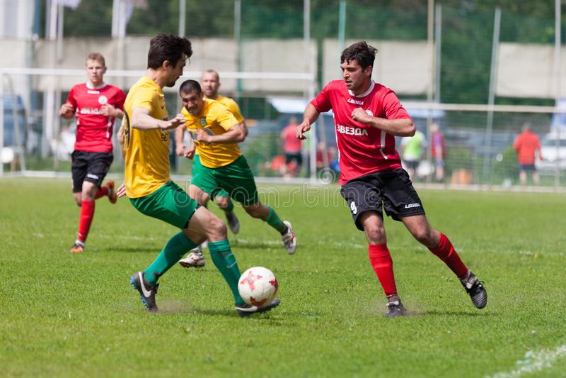 Звезда Lyubertsy - Kotelniki футбольного матча стоковое фото