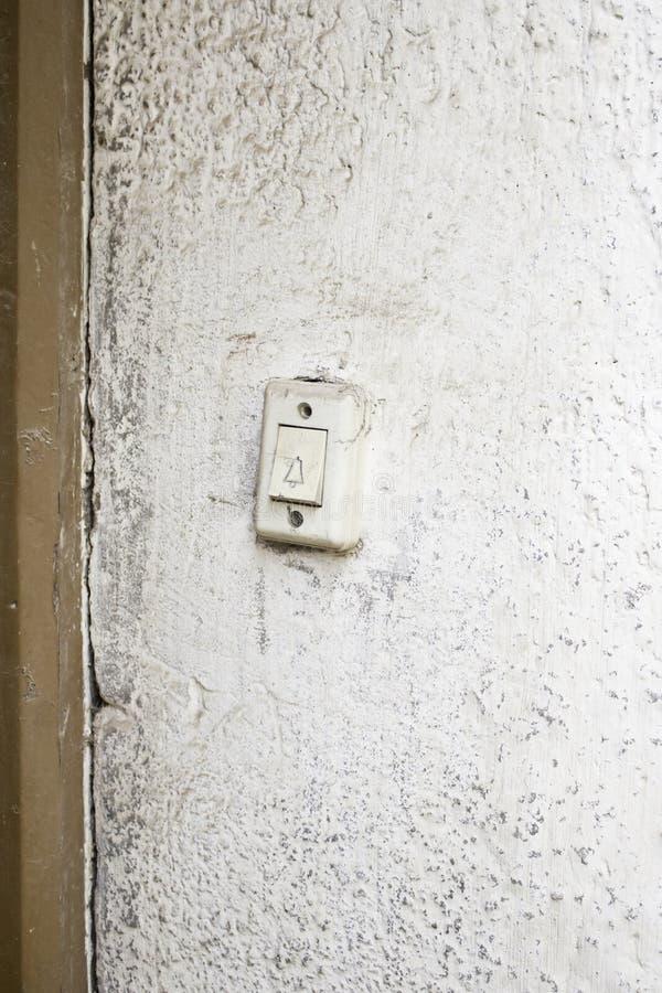 Звеня дверь стоковое изображение
