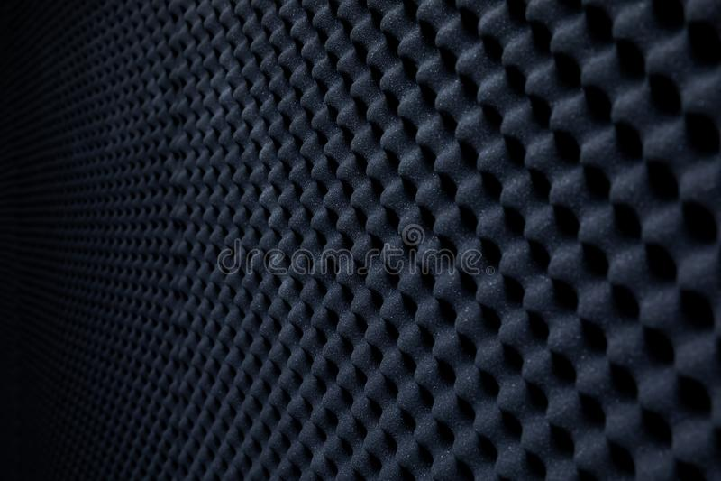 Звукоизоляционная стена в ядровой студии, предпосылке звукопоглотительной губки стоковое фото rf