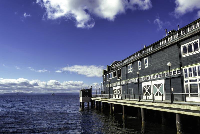 Здание аквариума на пристани в Сиэтл, Вашингтоне стоковое изображение rf