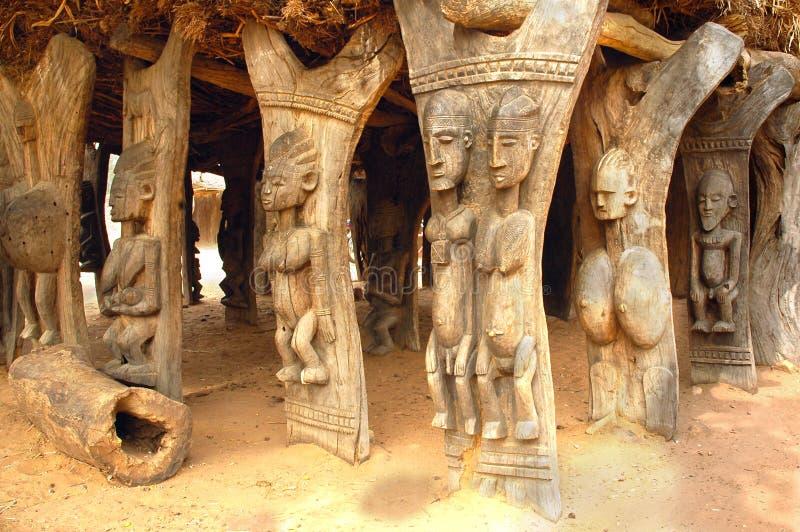 здание высекло поддержки dogon деревянные стоковые изображения rf