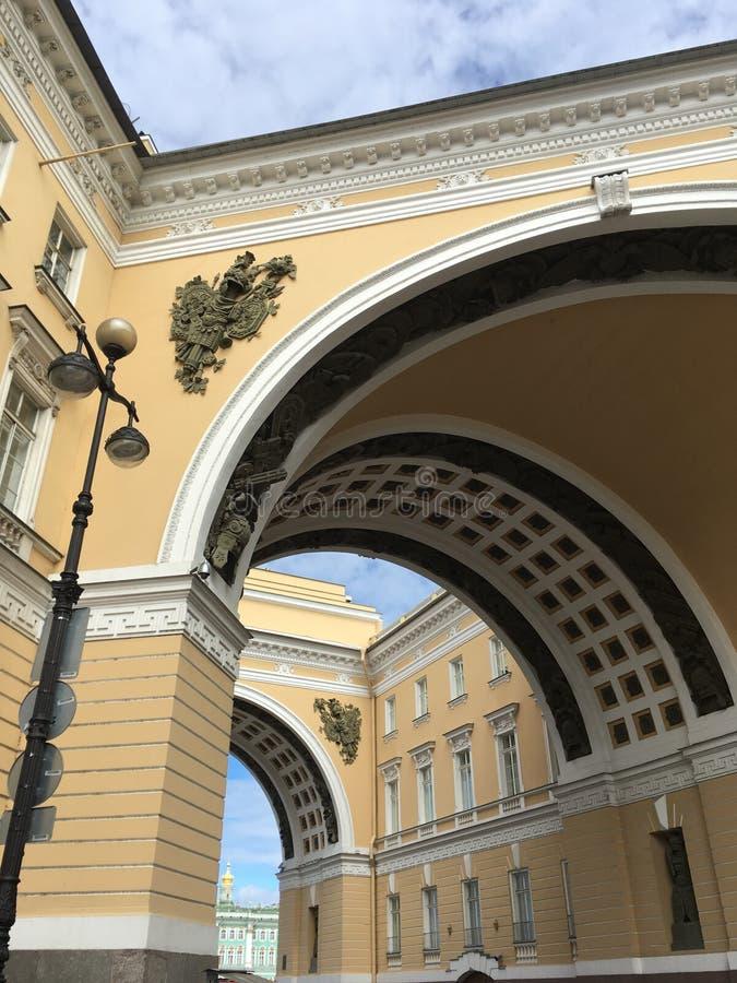 Здание генерального штаба в Санкт-Петербурге стоковое фото