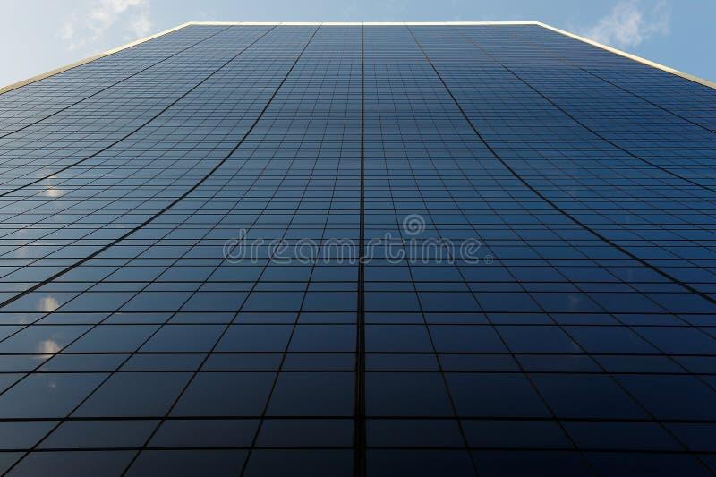 здание заволакивает линии стоковая фотография rf