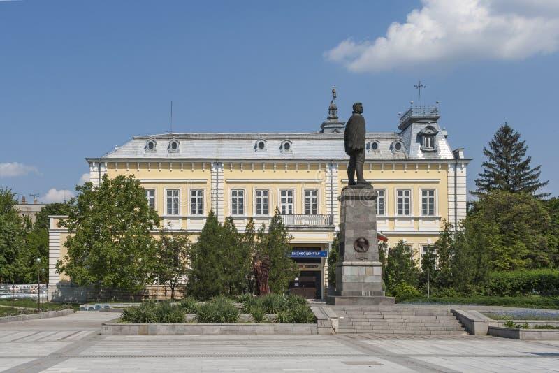 Здание и улица в центре города Silistra, Болгарии стоковые изображения rf