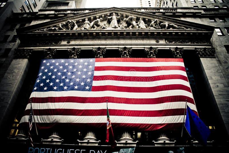 Здание Манхаттан нью-йоркской биржи, NY стоковые изображения