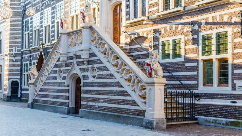 Здание муниципалитет Алкмара Нидерланды стоковые фото