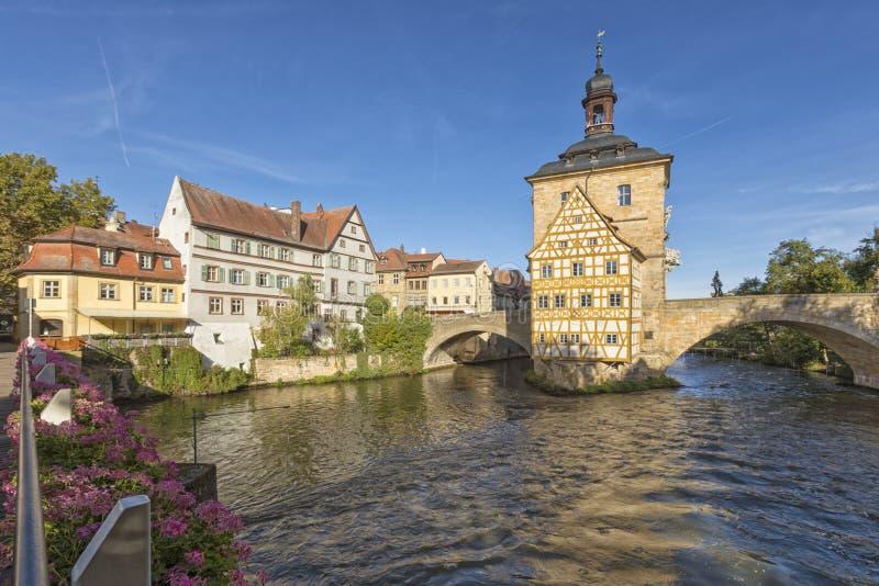 Здание муниципалитет Бамберга, Баварии, в утре стоковое фото rf