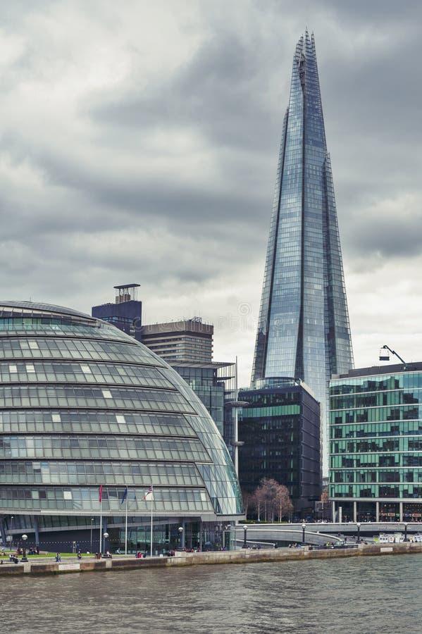 Здание муниципалитет Лондона и черепок, самое высокорослое здание в Великобритании, иконические архитектурноакустические ориентир стоковое изображение rf